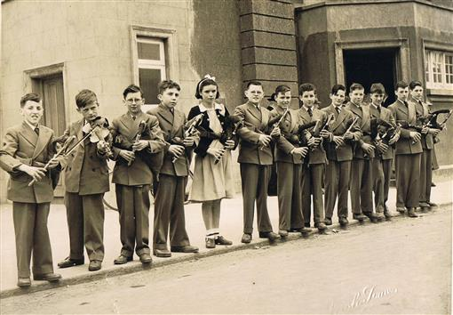 Leo's pupils lined up for first even Fleadh Mullingar 1951